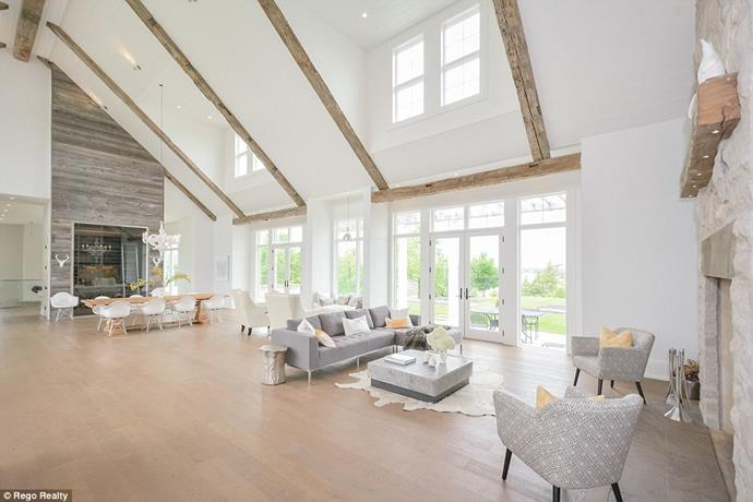 "The living room.<br><br> Image via the *[Daily Mail](http://www.dailymail.co.uk/tvshowbiz/article-6091733/Justin-Bieber-snaps-5M-lakefront-mansion-Canada-complete-private-horse-track.html|target=""_blank""