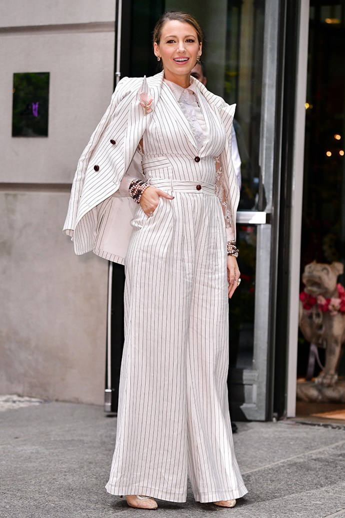 """Continuing her suitwear infatuation in [Zimmermann](https://www.elle.com.au/fashion/beyonce-zimmermann-15976