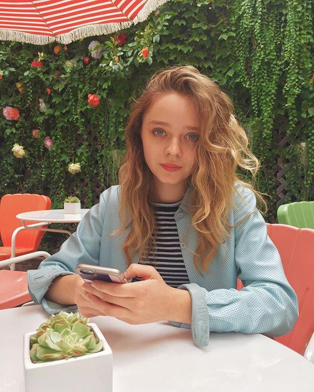 """**Madeleine Arthur—Chris** <br><br> Madeleine Arthur has kept her personal life on the down-low, however, judging by her Instagram she's either single, or very good at keeping her love life a secret. <br><br> Image: [@madeleinearthur](https://www.instagram.com/madeleinearthur/