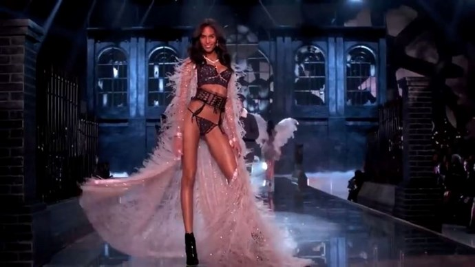 "**Cindy Bruna** <br><br> Walking the VS runway for the sixth time in a row, the now-regular will once again wear her angel wings on the 2018 runway, taking to Instagram to share the news with her fans. ""2013, 2014, 2015, 2016, 2017 and now 2018 !!! I still can't believe it ! I feel so blessed and forever grateful to this amazing family. Merci Merci Merci"" <br><br> [@cindybruna](https://www.instagram.com/cindybruna/
