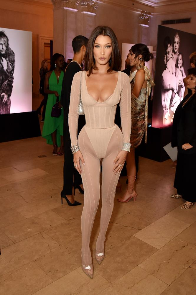 Bella in a nude bodysuit and corset, September 7th, 2018.
