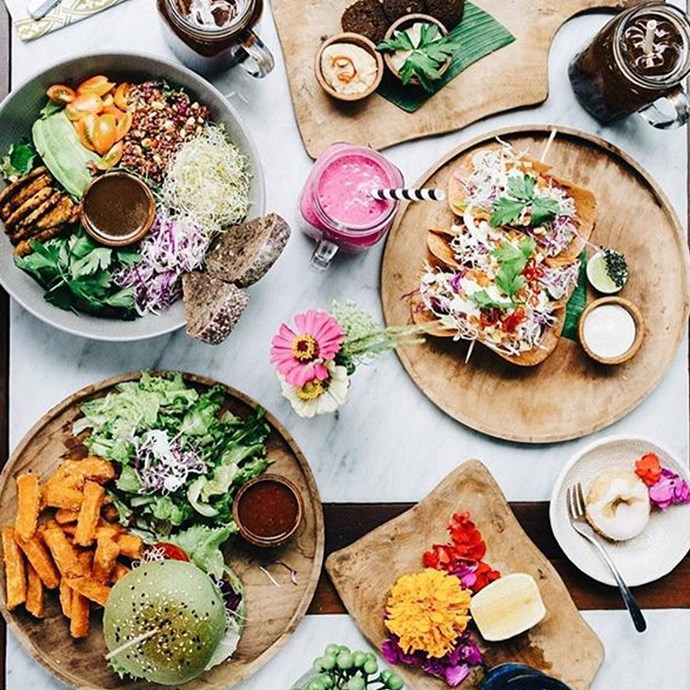 **Elsa's Wholesome Life** <br><br> Ellie Bullen is an Australian-based dietitian and nutritionist who specialises in wholesome, plant-based vegan recipes.