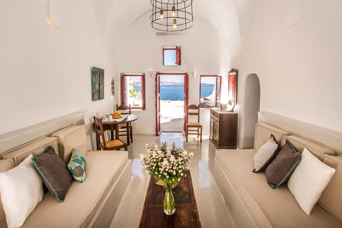 """**[""""HECTOR CAVE HOUSE""""](https://www.airbnb.com/rooms/433392