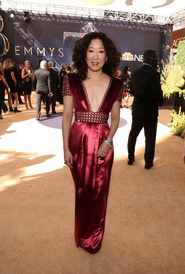 Sandra Oh in Ralph & Russo.