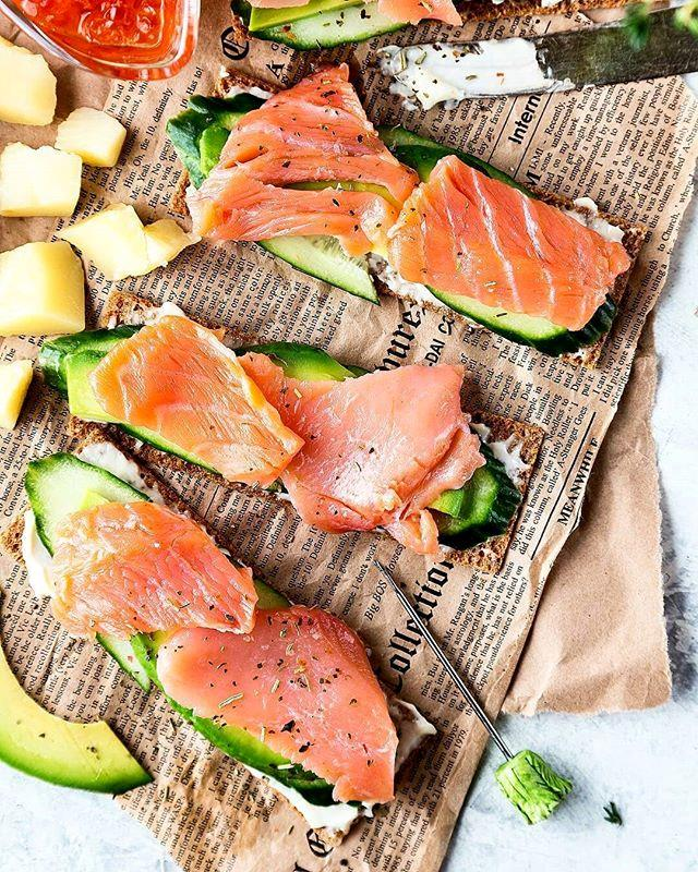 "***Salmon*** <br><br> Like avocado, salmon is a similarly [rich source of omega-3](https://www.elle.com.au/health-fitness/grilled-salmon-and-chicken-miso-bone-broth-recipe-8362|target=""_blank""), as well as containing a generous dose of oils, protein and healthy fats. Whether or not you're a fan, fresh salmon is definitely one of the healthiest forms of fish you can eat (and thankfully, better than tuna).  <br><br> *Image: [Instagram](https://www.instagram.com/p/BnzfL3SFY91/?tagged=salmon