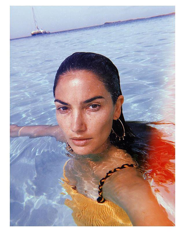 "Lily Aldridge <br><br> *Image: [@lilyaldridge](https://www.instagram.com/p/Bk5BO2kHUna/?taken-by=lilyaldridge|target=""_blank"")*"