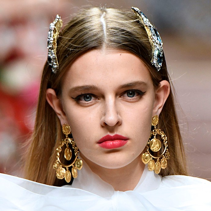 Work a bejewelled headpiece or two into straightened, natural hair, like at this season's Dolce & Gabbana.  <br><br> *Pictured: Dolce & Gabbana spring/summer '19*