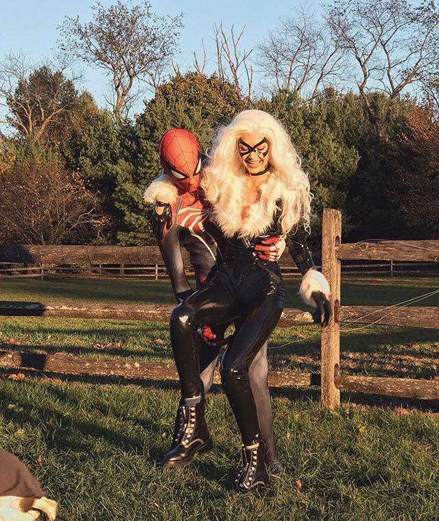 "[Gigi Hadid](https://www.elle.com.au/fashion/kendall-jenner-gigi-hadid-victorias-secret-2018-18841|target=""_blank"") and boyfriend Zayn Malik dressed as Spider-Man and The Black Cat for Halloween 2017.  <br><br> *Image: [@gigihadid](https://www.instagram.com/p/Ba7hiCCA_Qg/?taken-by=gigihadid|target=""_blank"")*"