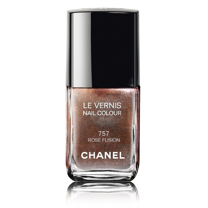 "Le Vernis in Rose Fusion, POA, [Chanel](https://www.chanel.com/en_AU/fragrance-beauty/makeup/p/nails/nail-colour/le-vernis-nail-colour-p128000.html#skuid-0159757|target=""_blank""