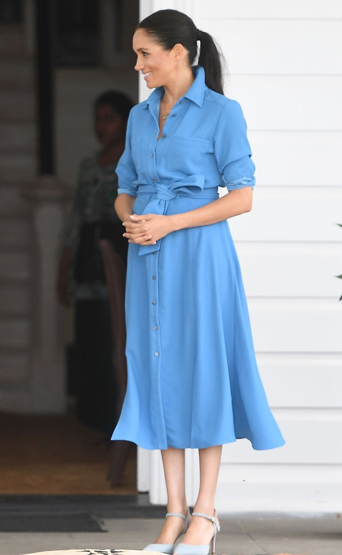 Veronica Beard 'Cary' dress: **$825** <br> Banana Republic suede pumps: **$178** <br><br> **Total cost: *$1,003***