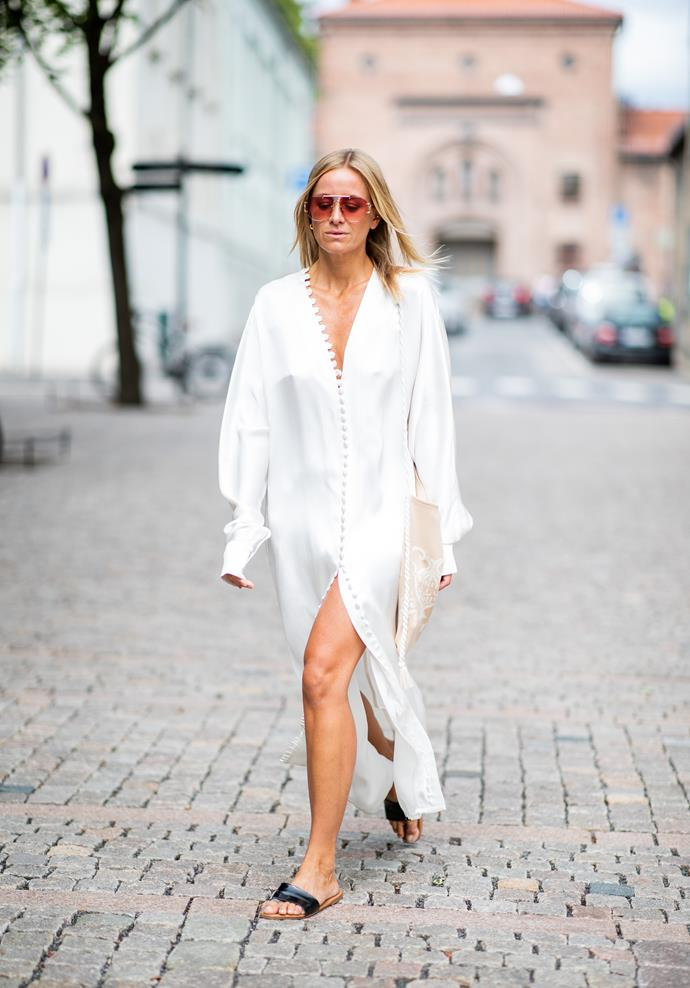 <p><strong>Melbourne: Mostly sunny, 14°C–23°C</strong> <p>You know what's the opposite of traditional Melbourne black? Crisp white! An breezy dress and simple sandals should do it.