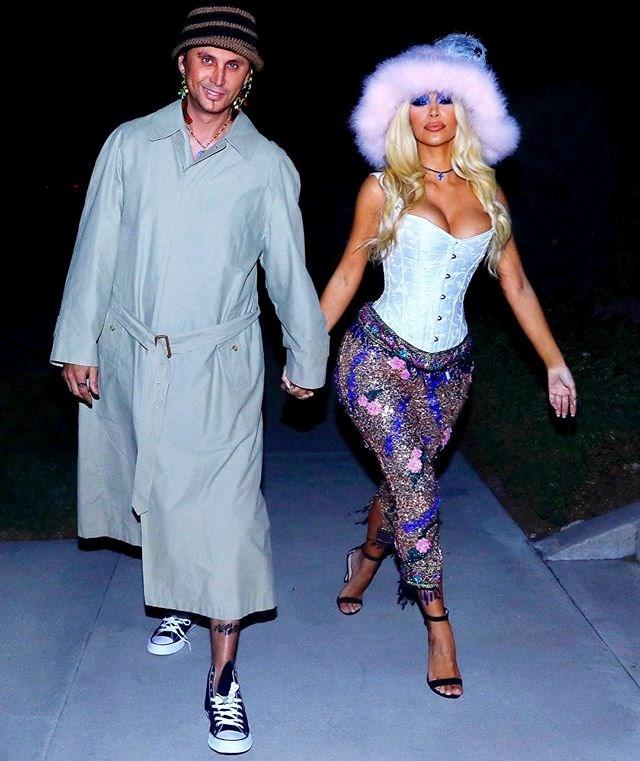 Kim Kardashian West and Jonathan Cheban as Pamela Anderson and Tommy Lee.