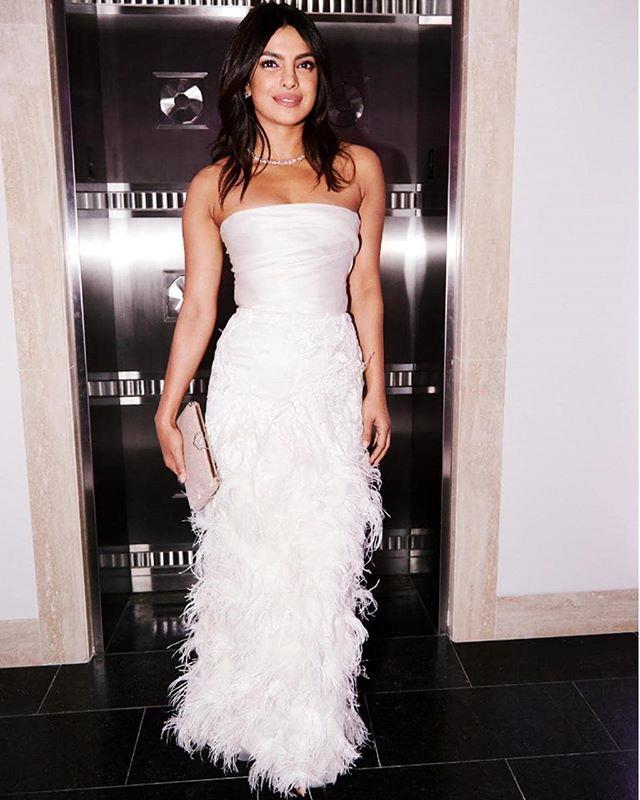 "***October 28, 2018:*** Chopra attends an impromptu wedding shower in New York City, hosted by Tiffany &  Co. <br><br> *Image: [@priyankachopra](https://www.instagram.com/p/BqXYt4YHcIF/|target=""_blank""|rel=""nofollow"")*"