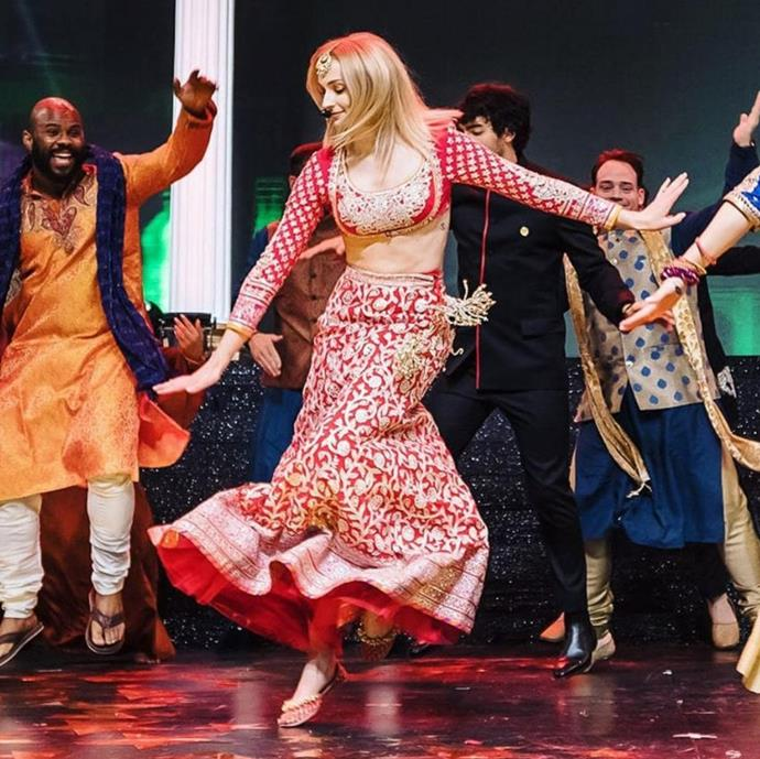 "***December 1, 2018:*** Clad in traditional Indian clothing, Sophie Turner danced up a storm at the Sangeet. <br><br> *Photo: [@abujanisandeepkhosla](https://www.instagram.com/p/Bq7Pwkfnk3r/|target=""_blank""