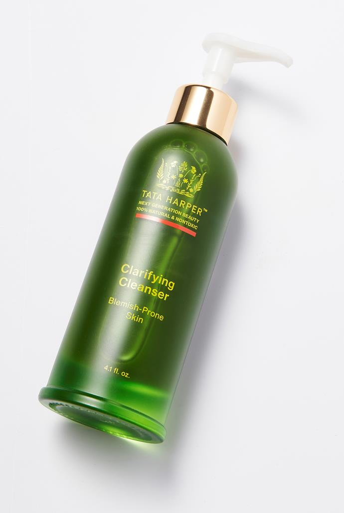"""**BEST NATURAL FACE PRODUCT:  Tata Harper Clarifying Cleanser**  <br><br> """"Tata Harper is a trusted skincare authority and this cleanser saves my skin whenever I'm a little run down, it's amazing not to have to compromise between natural skin care and effective skincare.""""- Sophie Beresiner, *ELLE UK*. <br><br> *Clarifying Cleanser, $96, Tata Harper, [sephora.com.au](https://www.sephora.com.au/products/tata-harper-clarifying-cleanser/v/default?dxid=CjwKCAiA9efgBRAYEiwAUT-jtMUB5wKwsAhlQkzEU1dTfGezmbG31MyHzd9jLoG7azPq-sq8Gq0BphoCzngQAvD_BwE&dxgaid=CjwKCAiA9efgBRAYEiwAUT-jtMUB5wKwsAhlQkzEU1dTfGezmbG31MyHzd9jLoG7azPq-sq8Gq0BphoCzngQAvD_BwE&gclid=CjwKCAiA9efgBRAYEiwAUT-jtMUB5wKwsAhlQkzEU1dTfGezmbG31MyHzd9jLoG7azPq-sq8Gq0BphoCzngQAvD_BwE