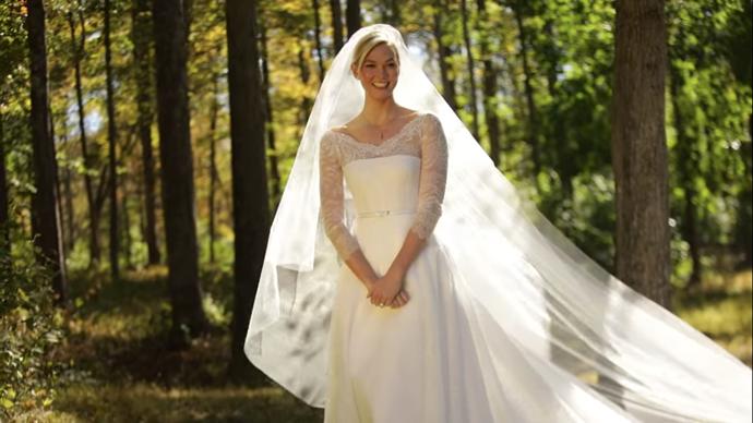 A front shot of Kloss's stunning dress and veil.