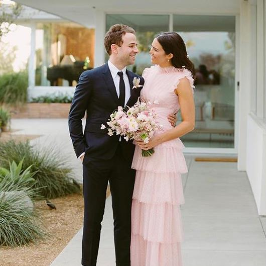 """***Mandy Moore & Taylor Goldsmith*** <br><br> Actress, singer and [*ELLE Australia* covergirl](https://www.elle.com.au/celebrity/mandy-moore-husband-19376