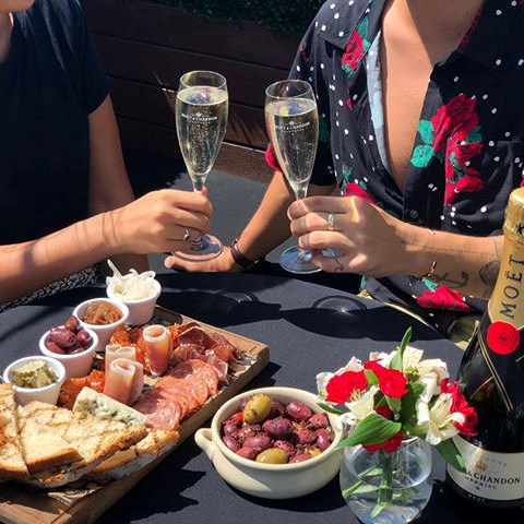 "***Valentine's Day rooftop experience at The Royal, Paddington*** <br><br> [The Royal Hotel](https://www.royalhotel.com.au/|target=""_blank""