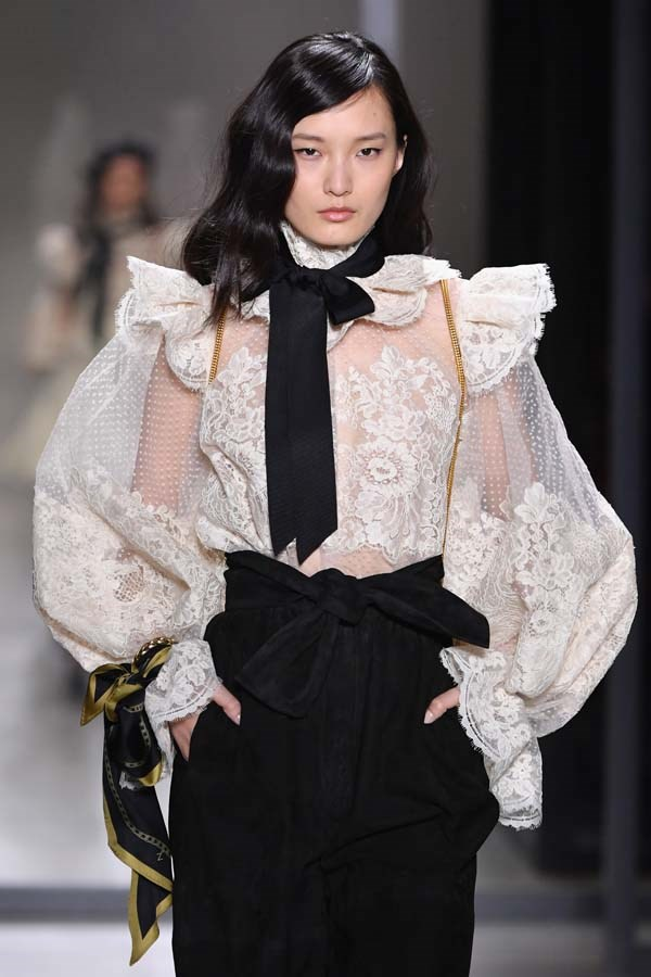 ***VICTORIANA DETAILS***<br><br> This winter, it's time to go old school. And we mean *really* old school. Victoriana details in modern iterations—think sheer boned corsets at Dion Lee, lace bishop sleeves and collars at Zimmermann, tiered bustles at Brock Collection—are popping up to give your outfits an extra feminine kick.<br><br> As seen at: Zimmermann autumn/winter '19.