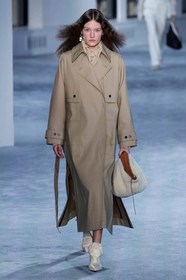 ***ULTRA-NEUTRAL***<br><br> In the dreary embrace of winter, colour acts as an instant pick-me-up. But sometimes it is better to skew neutral—and when you do, make sure to lean in all the way. Forgo the traditional 'pop of colour' and go tonal from head-to-toe. Layer camels, oatmeals, khakis, creams, beiges and rusts together for the ultimate blend.<br><br> As seen at: 3.1 Phillip Lim autumn/winter '19.