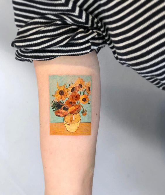 "***Sunflower Tattoos***<br><br> Although floral tattoos are always in style, sunflowers are breaking out as the flower design du jour. These look cute both in black and white, and in colour.<br><Br> Image via [Instagram](https://www.instagram.com/p/Bqe2XW5naGQ/|target=""_blank""