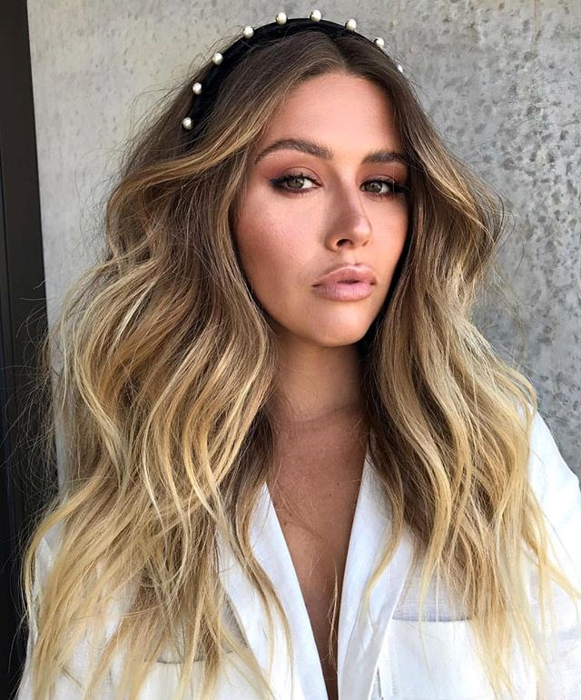 """**[Edwards and Co](https://edwardsandco.com.au/ target=""""_blank"""" rel=""""nofollow"""")** <br><br> **Location:** Surry Hills. <br><br> With salons across Australia including Sydney, Melbourne, Byron Bay and the Gold Coast, Jaye Edwards' take on the trend for soft and subtle waves has become a cult classic and is perfect for the minimalist bride. Any one of his ultra-modern salons will be able to help you out."""