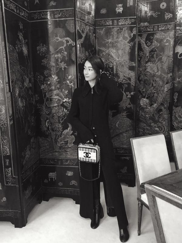 """""""Mademoiselle Chanel's apartment was surprisingly filled with stunning Chinese Coromandel screens."""""""