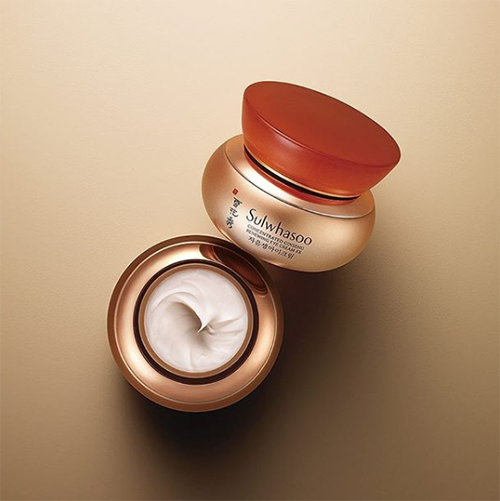"**Sulwhasoo Concentrated Ginseng Renewing Eye Cream, $218 from [MyKBeauty](https://www.mykbeauty.com.au/shop/sulwhasoo-concentrated-ginseng-renewing-eye-cream-ex-20ml/|target=""_blank""