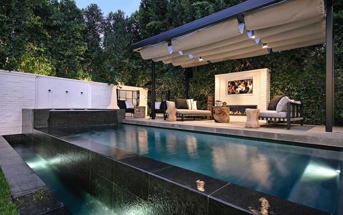 "The pool<br><br>  *Via* [@hiltonhyland](https://www.instagram.com/p/BqIqSsSBWhE/|target=""_blank""|rel=""nofollow"")"