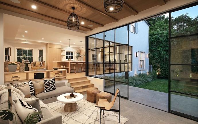 "The living room<br><br>  *Via* [@hiltonhyland](https://www.instagram.com/p/BqIqSsSBWhE/|target=""_blank""|rel=""nofollow"")"