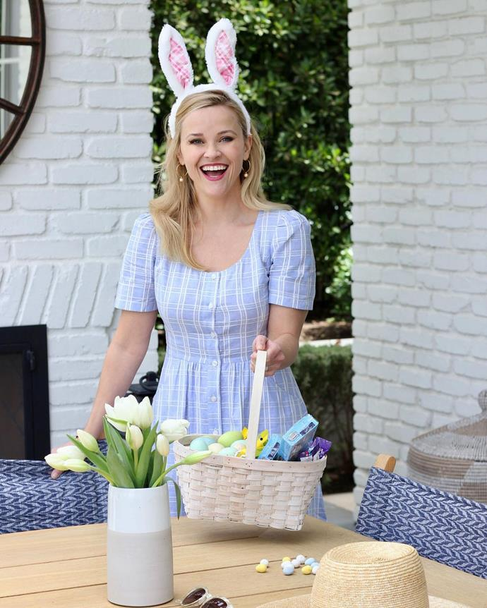 "***Reese Witherspoon***<br><br> ""Happy Easter, every bunny!! Thankful to be spending with day with my favorite peeps 🐥🐥🐥 ( 👗:@draperjames)"""