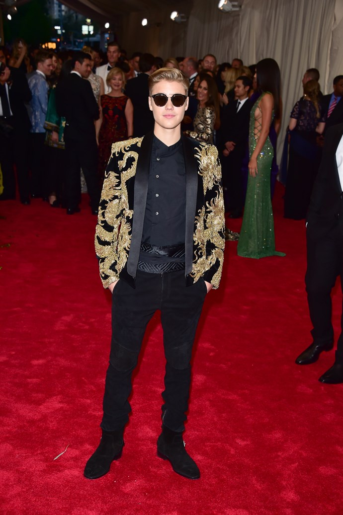 """**Justin Bieber**<br><br>  While wife Hailey Bieber rocked the Met Gala 2019 red carpet in a candy pink Alexander Wang dress with a [bedazzled g-string](https://www.elle.com.au/fashion/hailey-baldwin-met-gala-2019-20414 target=""""_blank""""), Justin was nowhere to be seen."""