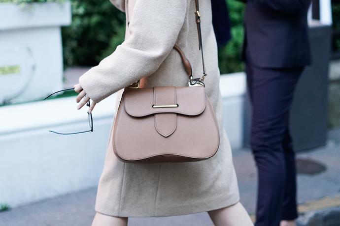 **The Light Leather Handbag**<br><br>