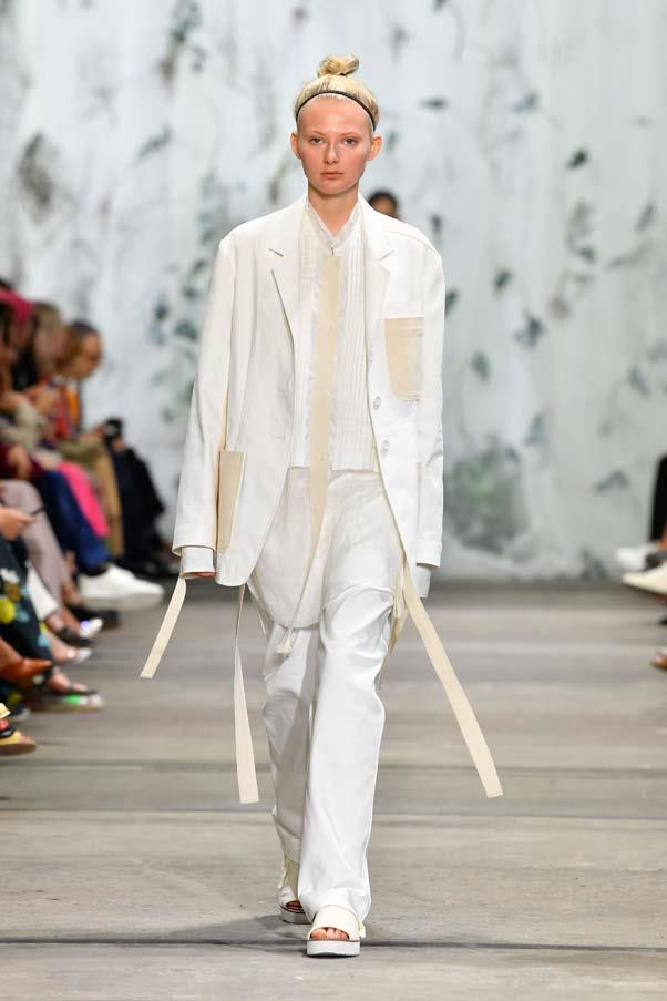 **Simple suiting:** Suiting really is the trend that won't die, with loose-fitting suits in breathable linens and summer-y hues of beige and brown appearing *en masse*. <br><br>Lee Mathews Resort '20