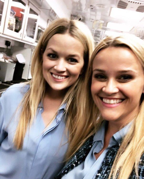 Reese Witherspoon and her doppelgänger double, Marilee Lessley, who she met while working on *Legally Blonde 2*.