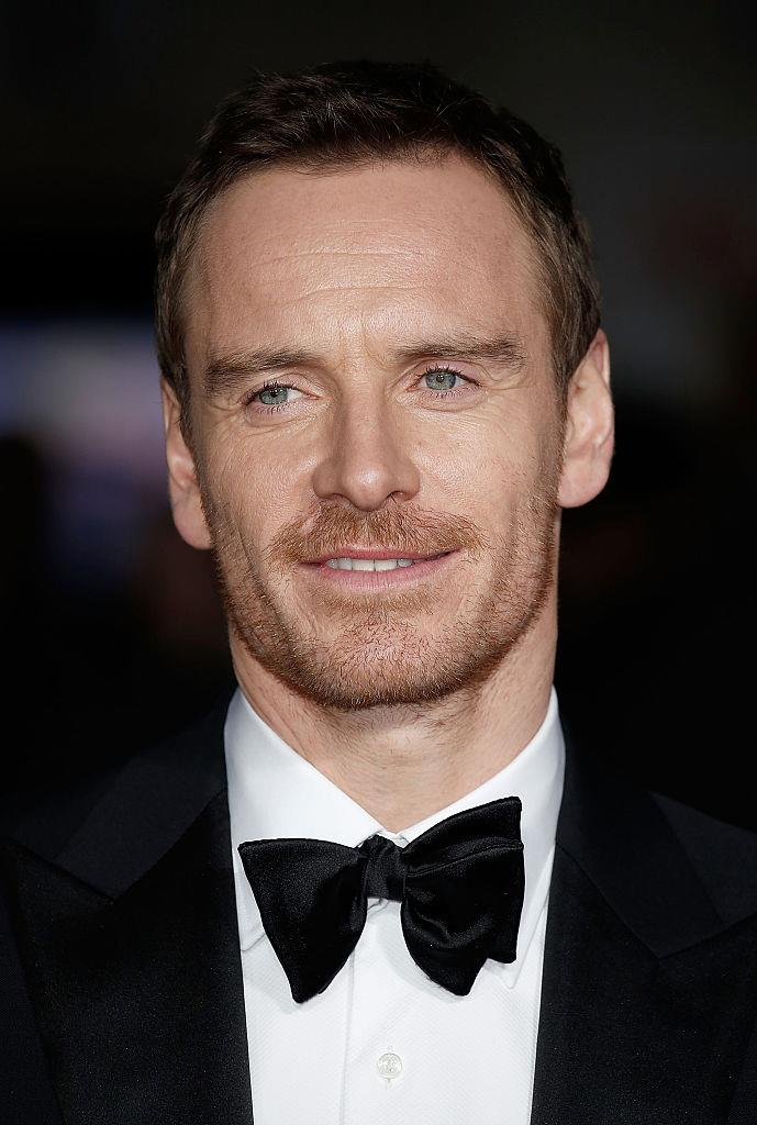 "**Michael Fassbender**<br><br>  The action star is known to hand roll his cigarettes (according to [this interview](https://www.elle.com/culture/celebrities/a30187/michael-fassbender-steve-jobs-movie/|target=""_blank""