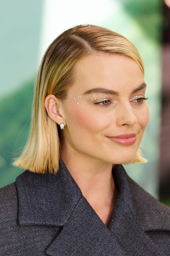 **Day Six: Slick It Back (Inspired By Margot Robbie)** <p>This is your chance to try and do the whole slicked-back thing because your hair has the natural oils and texture working for it. Apply some gel to your fingers and comb them back through your hair. Finish off with some hairspray for a bit more hold.