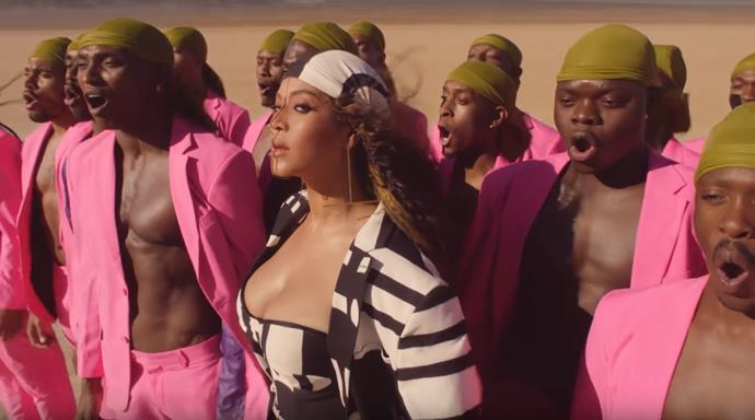 While her dancers wore hot pink, Beyoncé sported zebra-like monochrome by Senegalese designer TONGORO.