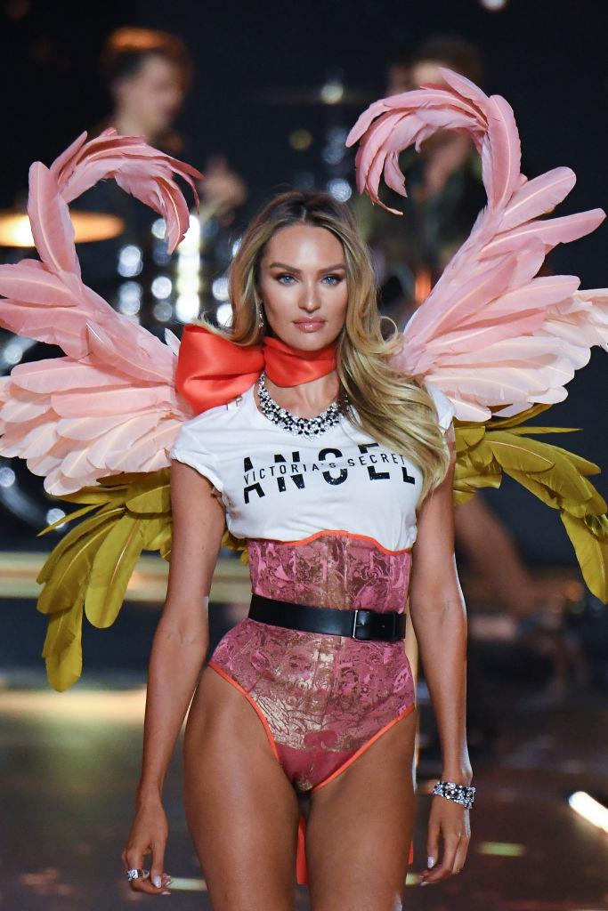 Candice Swanepoel in the 2018 Victoria's Secret show.