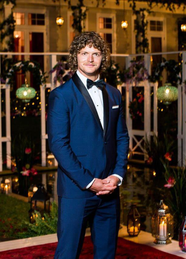 "**7. Nick Cummins' season of** ***The Bachelor Australia***<br><br>  We're sure we can speak on behalf of all of us when we say that Nick Cummins had not only the worst season of the show, but was also the worst Bachelor. Ever.<br><br>  Sure, the ratings were high, but Nick didn't pick anyone in the end, despite getting physical and talking feelings with all the final ladies (integrity points = lost), and he would not stop speaking in tongues!<br><br>  [His quotes](https://www.elle.com.au/culture/nick-cummins-honey-badger-first-episode-quotes-18286|target=""_blank""), while amusing at first, became so confusing (""Busier than a one-armed brick-layer in Baghdad with an itch""... what?), that half our time was spent decoding them.<br><br>  The entertainment value was almost cancelled out by the season's finale, so, sorry not sorry, but Nick is in last place.<br><br>  **Score:**<br><br>  * The Bachelor himself—2 * The ending—2 * The entertainment value—5<br><br>  *Total score: 9*"