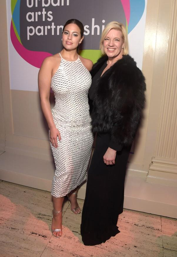 Ashley Graham and her mother, Linda.