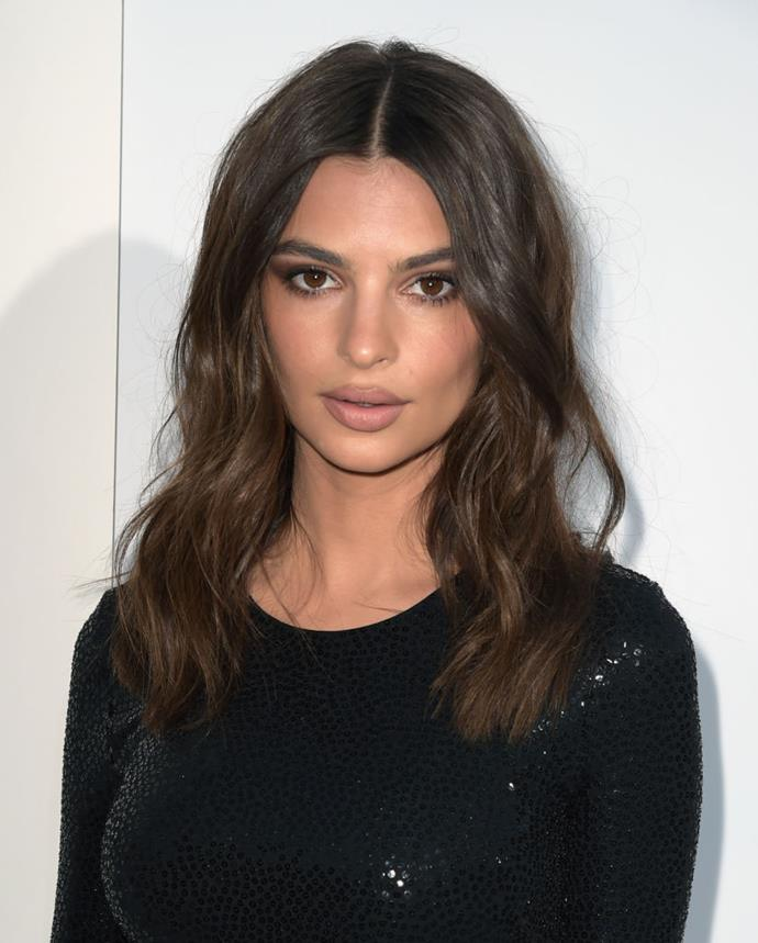 "**Emily Ratajkowski** <br><br> EmRata is a talented makeup artist in her own right, and often does her own makeup instead of enlisting professional assistance. In a 2016 interview with *[Into The Gloss](https://intothegloss.com/2016/11/emily-ratajkowski-makeup-2016/|target=""_blank""