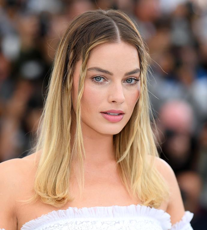 "**Old-School Braids** <br><br> During the *Once Upon A Time... In Hollywood* press tour, [Margot Robbie](https://www.elle.com.au/beauty/margot-robbie-beauty-evolution-15815|target=""_blank"") drew inspiration from multiple nostalgic hair trends, putting Old Hollywood beauty back on the map for 2019. <br><br> An old-school aesthetic—like Robbie's ethereal, instantly-iconic unfinished braids from the 2019 Cannes Film Festival—is the perfect low-fi hairstyle to sport at the races. It works with hats, headpieces, fascinators or headscarves.<br><br> *Pictured: Margot Robbie at the 2019 Cannes Film Festival. Hair by [@brycescarlett](https://www.instagram.com/brycescarlett/