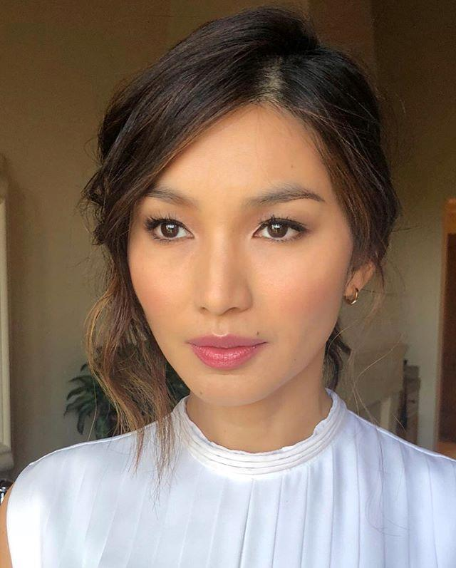 "**The Modern Updo** <br><br> There are many reasons to be obsessed with [Gemma Chan](https://www.elle.com.au/fashion/gemma-chan-2019-oscars-19944|target=""_blank""), and her underrated beauty and hair game is just is one of them.  <br><br>The *Crazy Rich Asians* star's low-slung ponytail (kept slightly unkempt thanks to a loose section at the front) works as a timeless take on race day hair that still feels fresh and fun. Plus, It's one of those rare hairstyles that gets better the looser it gets so it'll last you from day to night, too.  <br><br> Trade in your usual millinery and embrace the contemporary style with a statement hair ribbon. [Zimmermann](https://www.net-a-porter.com/au/en/product/1149974?gclsrc=aw.ds&cm_mmc=Google-ProductSearch-AU--c-_-NAP_EN_AU_PLA-_-NAP+-+AU+-+GS+-+Designer+-+Class_Accessories+-%C2%A0High%C2%A0-%C2%A0BT--Accessories+-+Hair+Accessories-_-__aud-300421481960:pla-368245722151_APAC&gclid=Cj0KCQjwho7rBRDxARIsAJ5nhFqp1zuKqCC_mfgmter6OkHppKayWw-jvlUirKGck_KRhiq7RIiqhu0aAinwEALw_wcB&gclsrc=aw.ds