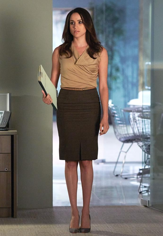 "**Rachel Zane from** ***Suits***<br><br>  **Lesson:** Nail your silhouette, know your colours<br><br>  Formerly played by Meghan Markle on the hit show *Suits*, paralegal-turned-lawyer Rachel Zane's trousseau of office staples is one of the best we've seen as far as [work capsule wardrobes](https://www.elle.com.au/fashion/work-capsule-wardrobe-20242|target=""_blank"") go. Why? Because she knew her core silhouette and go-to item (the pencil skirt), as well her preferred colour palette (neutrals with the odd light blue or lilac thrown in for contrast). Brilliant."