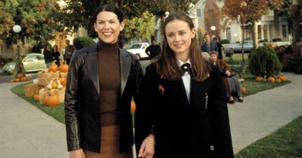 Ginny & Georgia On Netflix Is The New 'Gilmore Girls' | ELLE Australia