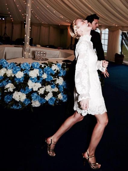 "**Pandora Sykes** <br><br> Like Alexandra Carl, fashion editor Pandora Sykes' reception dress for her 2016 wedding was a nifty two-in-one number. For the post-wedding party, Sykes removed the detachable skirt from her Alice Temperley gown, creating a lacy one-piece which was perfect for dancing. <br><br> *Image: Instagram [@pandorasykes](https://www.instagram.com/pandorasykes/|target=""_blank""