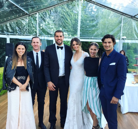"**Jesinta Franklin** <br><br> Australian model [Jesinta Franklin](https://www.elle.com.au/beauty/jesinta-franklin-short-hair-20786|target=""_blank""