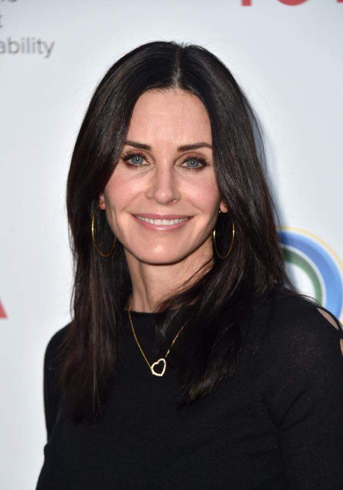 "**Courtney Cox**<br><br>  In 2017, the *Friends* actress told [*New Beauty*](https://www.newbeauty.com/blog/dailybeauty/11013-courteney-cox-beauty/|target=""_blank""