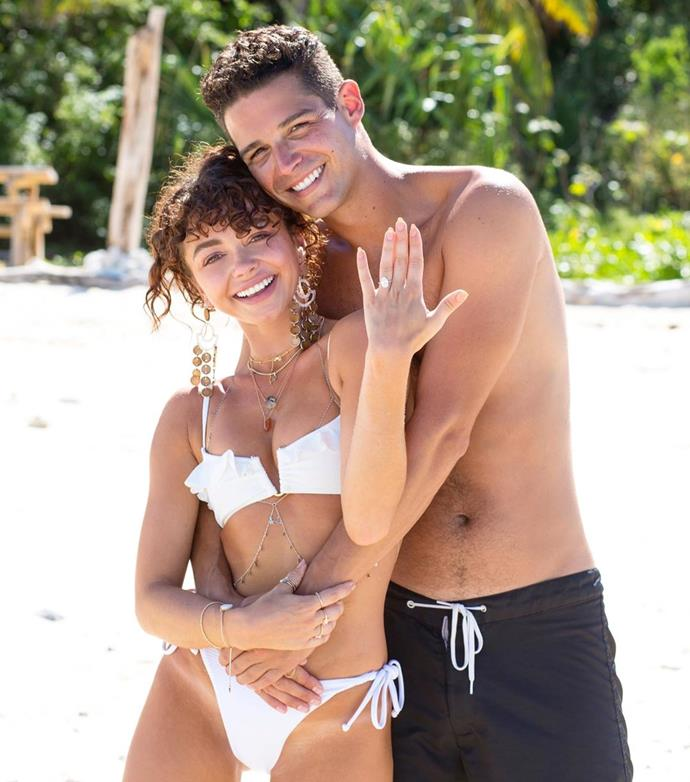 """**Sarah Hyland and Wells Adams**<br><br>  American *Bachelorette* alum Wells Adams put a ring on Sarah Hyland's finger in July 2019. The two broke the happy news via their Instagram pages with a series of images capturing Adam's proposal. To see the images and a close-up of the ring, head over [here](https://www.elle.com.au/celebrity/sarah-hyland-engaged-20870